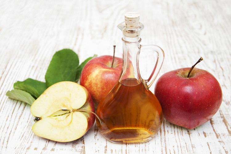 Yağlı Saçlar İçin Saç Bakım Önerileri 1 - Elma Sirkesi